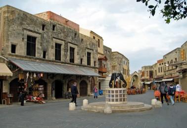 Piazza dei Martiri ebrei a Rodi