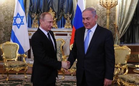 Valdimir Putin e Beniamin Netanyahu durante la visita di quest'ultimo in Russia