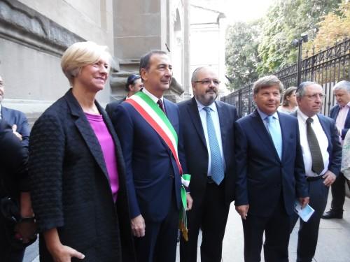 Da sinistra, la mionistra Pinotti, il sindaco di Milano Giuseppe Sala, il rabbino capo di Milano Rav Alfonso Arbib e il co-presidente della Comunità ebraica Milo Hasbani