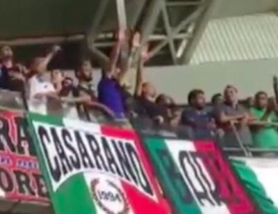 I saluti romani dei tifosi italiani durante Israele-Italia del 5 settembre (fonte: Moked)
