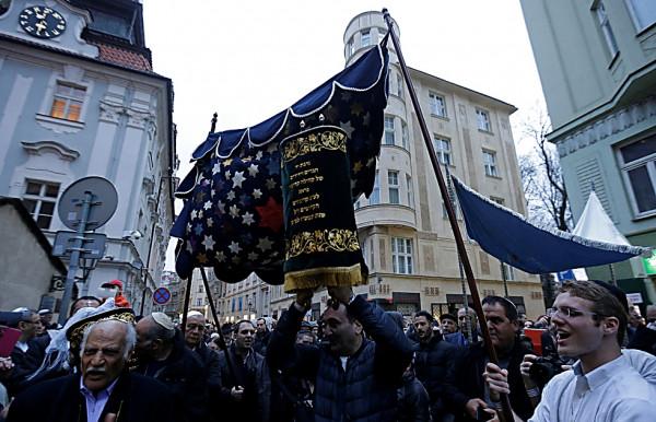 Praga-nuovo-rotoli-tora