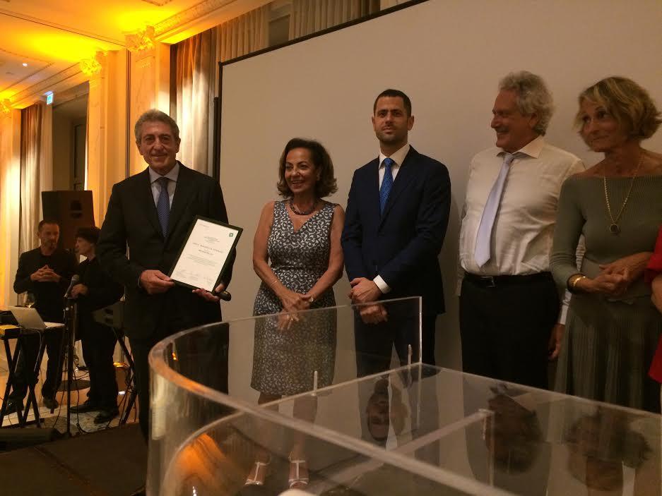 Maurizio Fornari, responsabile della Neurochirurgia di Humanitas Neuro Center, nominato Uomo dell'Anno da AMATA Italia