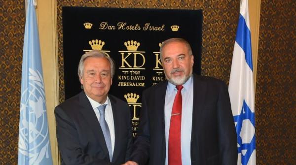 Il segretario generale dell'Onu Antonio Guterres e il ministro israeliano Avigdor Lieberman
