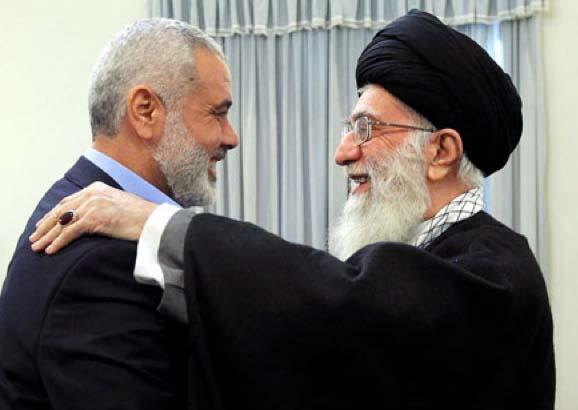 Da sinistra, il leader di hamas Ismail Haniye e il presidente iraniano Hassan Rouhani