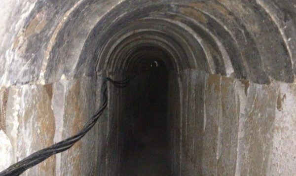 Uno dei due tunnel di Hamas trovati sotto una scuola dell'Unwra