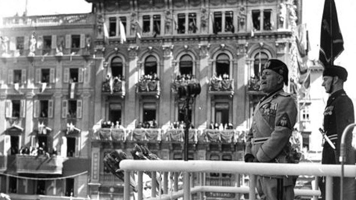 Mussolini proclama le leggi contro gli ebrei