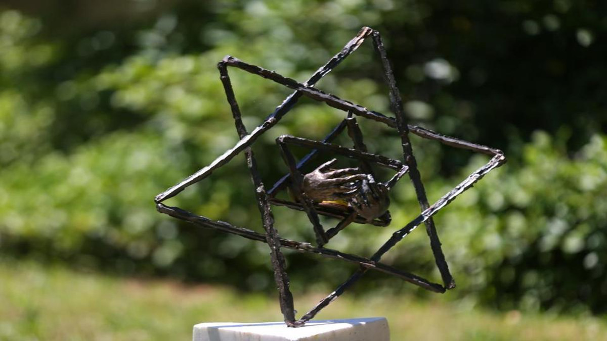 La scultura legata alla Shoha rubata da un ragazzo in un cimitero ebraico in Massachussets