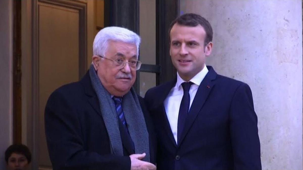 Mahmoud Abbas con Emmanuel Macron