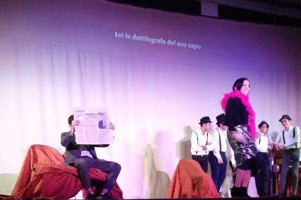 Una scena di uno degli spettacoli del progetto Laiv-Insieme a teatro