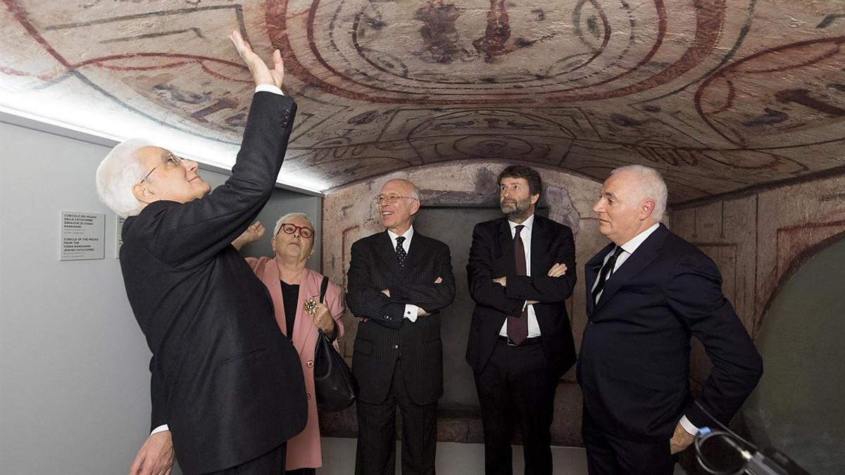 Il presidente Sergio Mattarella, il ministro Dario Franceschini e altre autorità all'inaugurazione del Meis il 13 dicembre a Ferrara