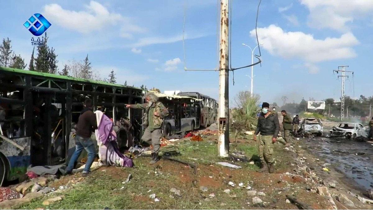 Attentato a un convoglio di pullman ad Aleppo, in Siria, ad aprile 2016 (Foto Ansa, fonte TgCom24)