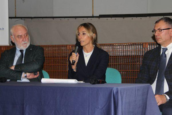 I relatori della serata su Alcol e droga organizzata dalla Fondazione Scuola