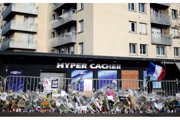 Il supermercato Hyper Cacher oggetto di un attentato nel gennaio 2015