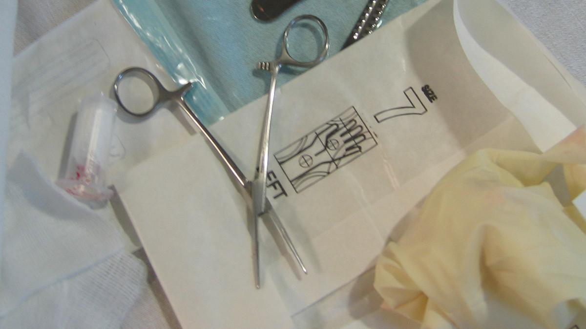 Gli strumenti per la circoncisione