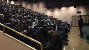 La sala del cinema Gloria piena per l'evento dell'Hashomer Hatzair