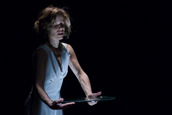 Sonia Bergamasco ne Il ballo al Teatro Franco Parenti