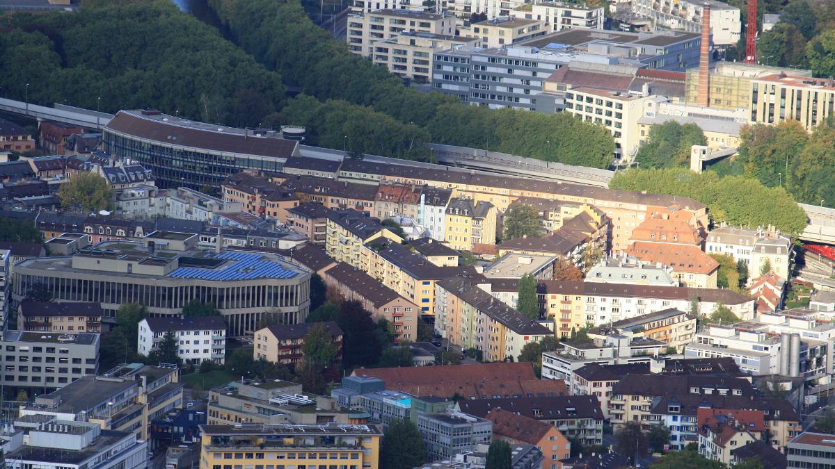 Il quartiere ebraico di Zurigo, Wiedikon, dove un neonazista ha ggredito un ebreo ortodosso nel 2015