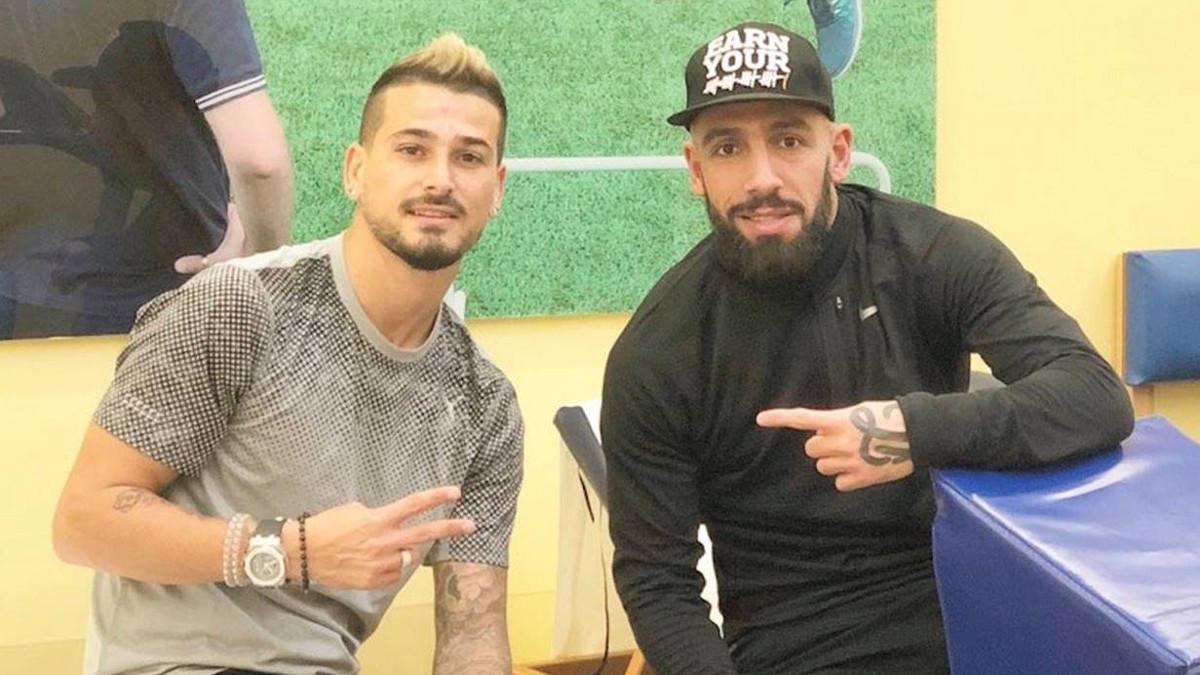 Gesto di pace fra un calciatore israeliano e uno iraniano