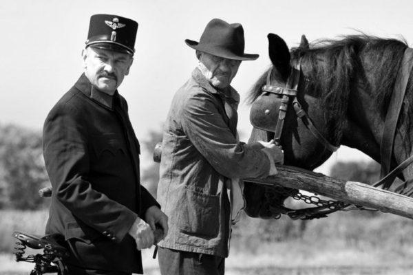 Una scena del film '1945'