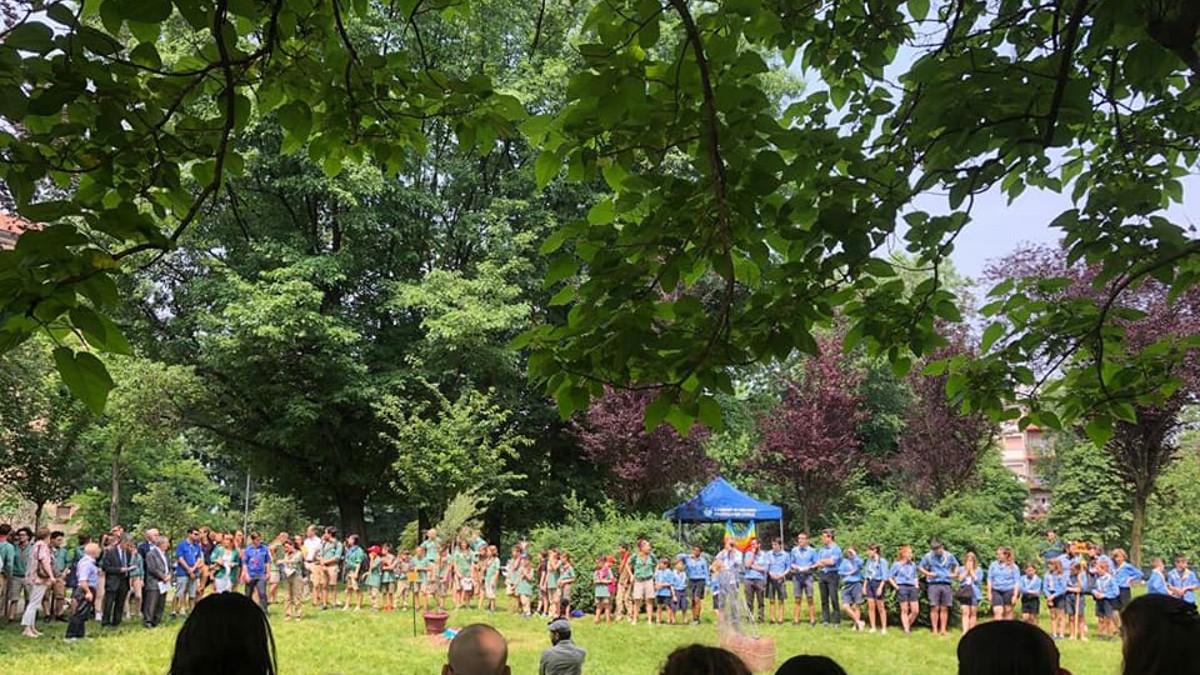 I ragazzi dei movimenti scout milanesi alla prima edizione dei Giardini per la pace