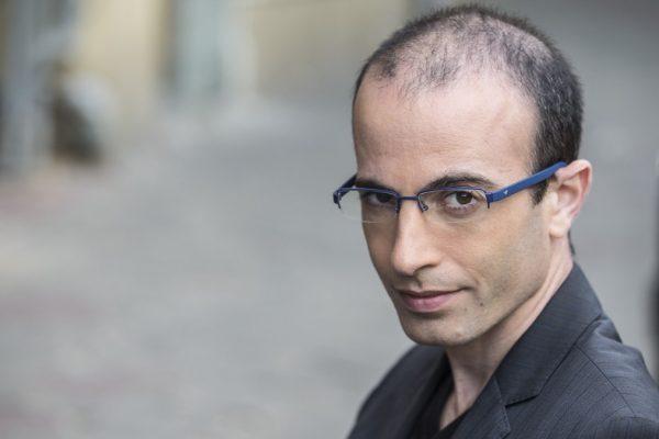 Lo scrittore e studioso israeliano Yuval Noah Harari
