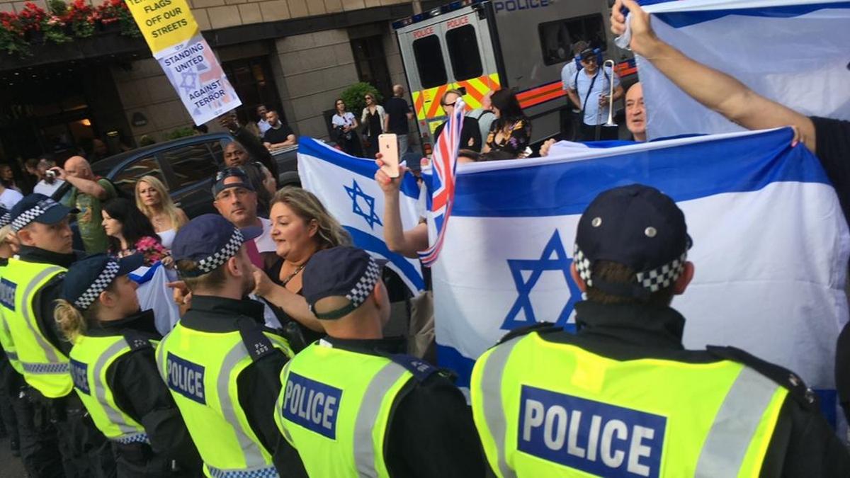 Dimostranti pro-Israele protestano contro l'al-Quds Day