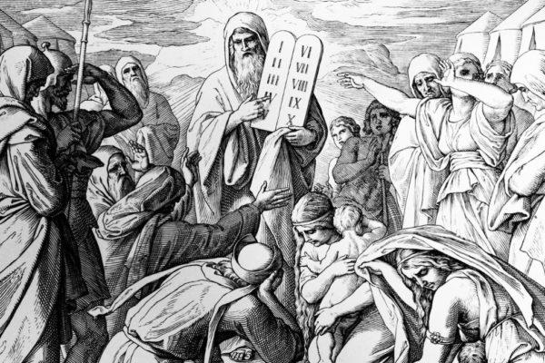 Mosè rilegge i 10 comandamenti nella parashà Vaetchanan