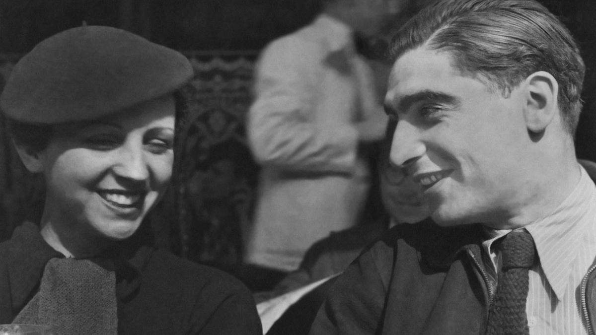 Gerda Taro con Robert Capa