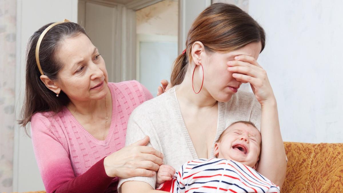 Una scena di depressione materna