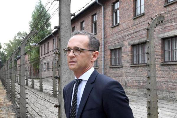 Il ministro degli esteri tedesco Heiko Maas in visita ad Auschwitz