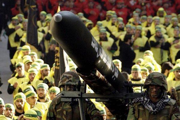 hezbollah con un missile iraniano