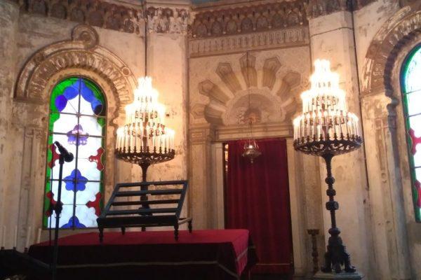 Gli interni della sinagoga di Vercelli restaurata