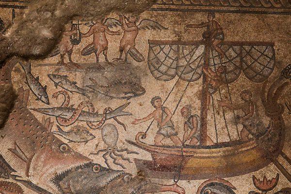 Uno dei mosaici della sinagoga rinvenuta a Huqoq