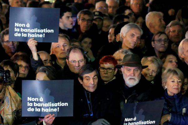 Manifestazionein Francia contro l'antisemitismo