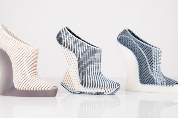 Scarpe in 3d della designer israeliana Danit Goldtsein alla Design Week 2019 di Milano