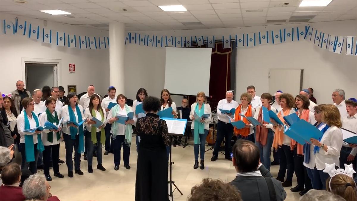 I festeggiamenti di Yom Haazmaut alla sinagoga di via Guastalla
