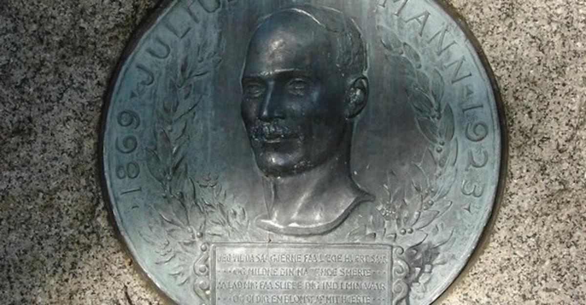 Julius Baumann