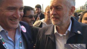 Miko Peled con Jeremy Corbyn