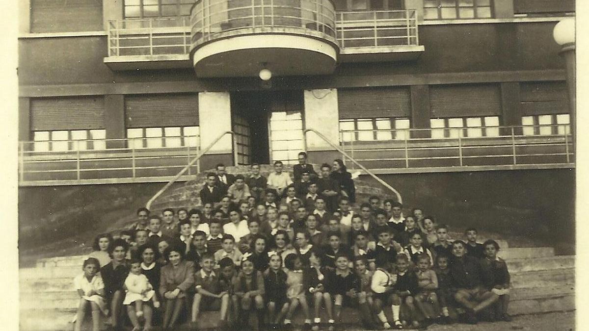 Alcuni bambini a Sciesopoli dopo la guerra