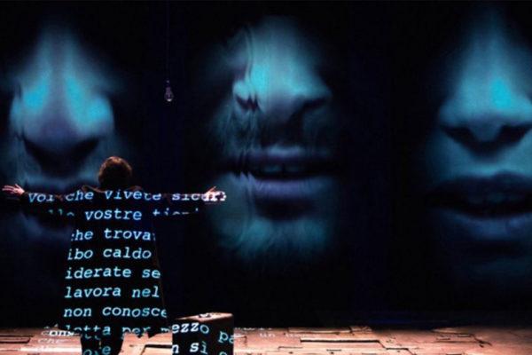 Lo spettacolo 'Se questo è un uomo' al Teatro Franco Parenti