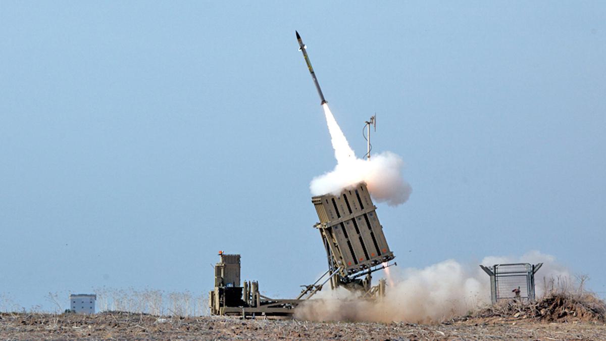 Iron dome intercetta missili