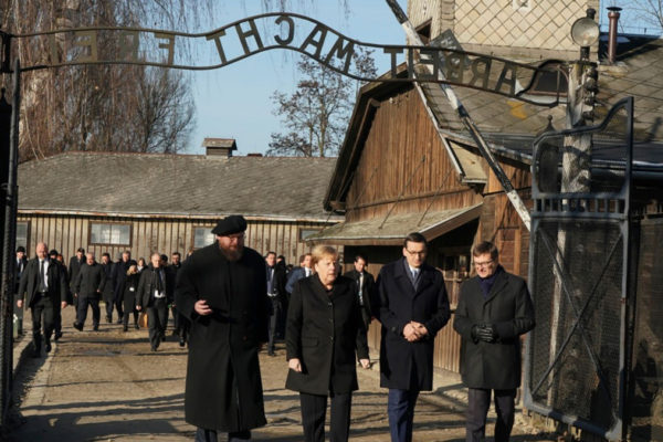 Angela Merkel ad Auschhwitz