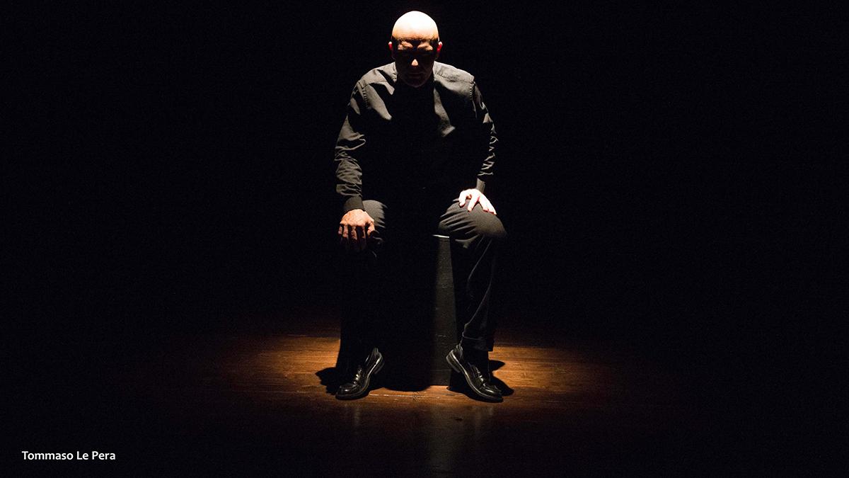 Alessandro Albertin nello spettacolo su Giorgio Perlasca