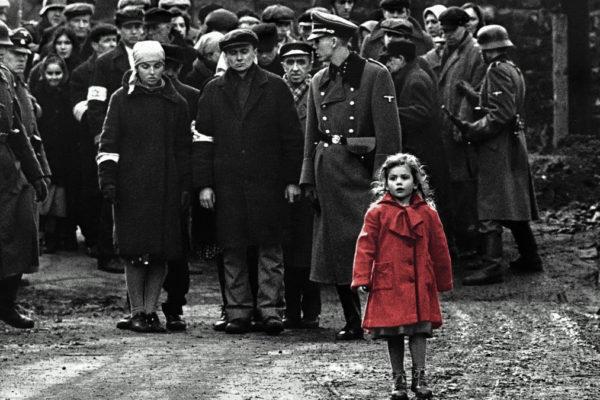 La scena della bambina con il cappotto rosso di Schindler's List