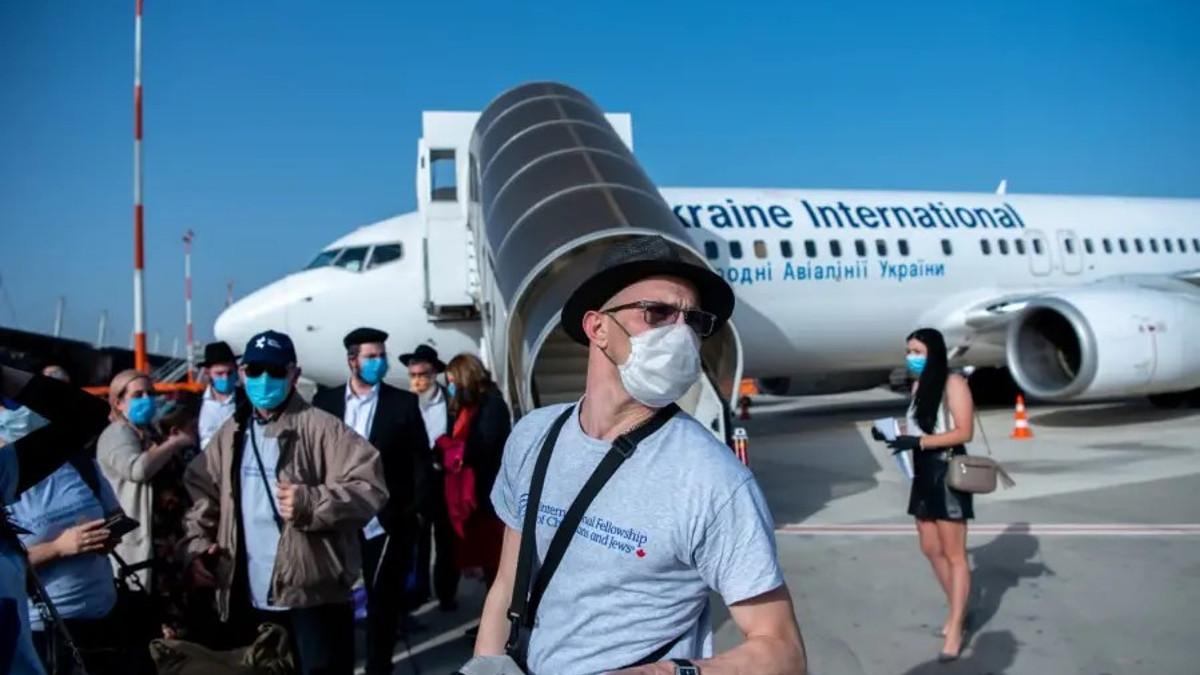 Nuovi immigrati dall'Ucraina arrivano in israele