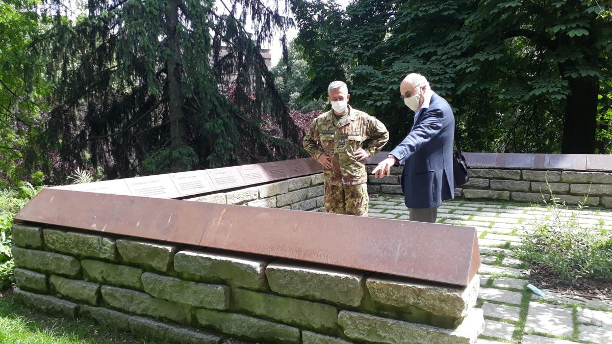 La visita al Giardino dei Giusti in onore del generale De' Castiglioni