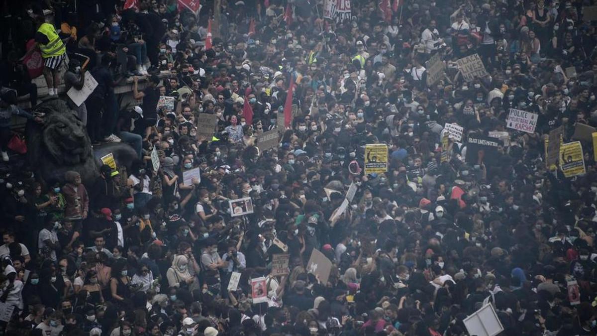 Manifestazione antirazzista a Parigi