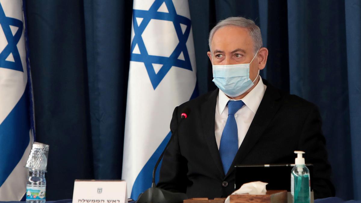 foto netanyahu con la mascherina