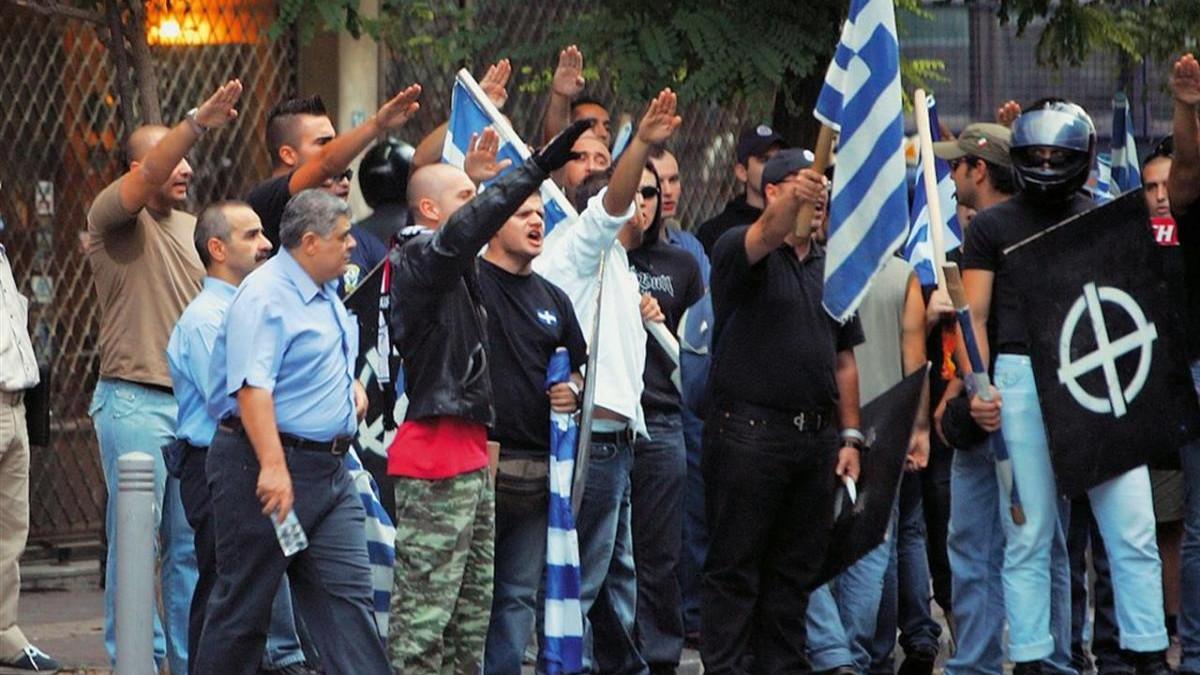Manifestanti di Alba Dorata