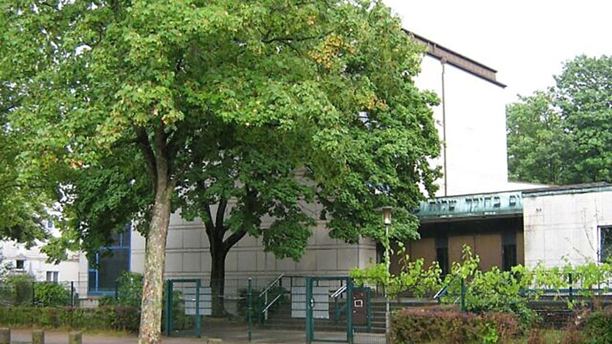 La sinagiga ad Amburgo davanti alla quale è avvenuto l'attacco antisemita